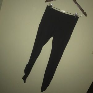 Size 6 Lululemon Leggings Black w/Pockets Athletic